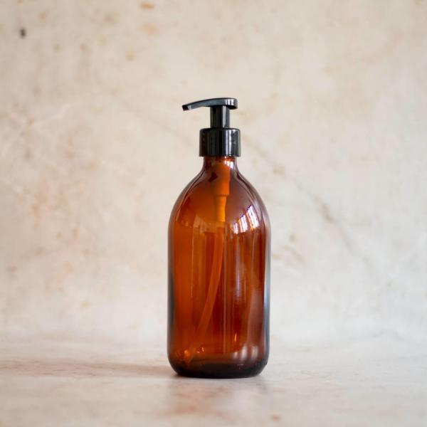 glasflaske med pumpe