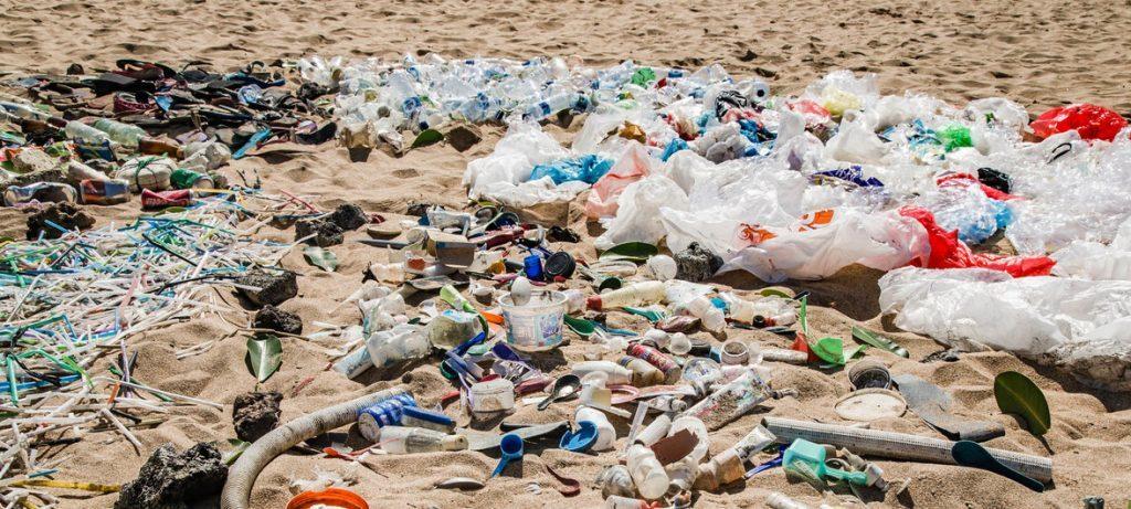 Affald spild plastik